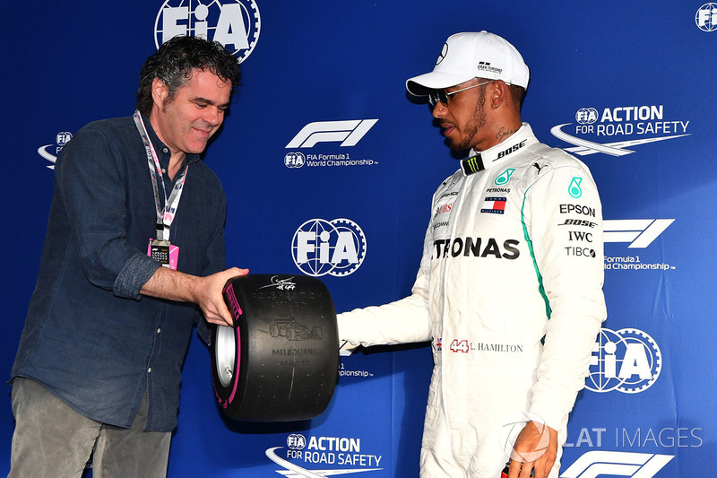 Pole sitter Lewis Hamilton, Mercedes-AMG F1 celebrates in parc ferme with Pirelli Pole Position Awar