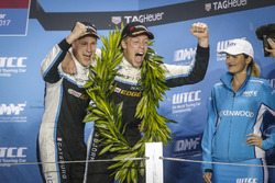 Podium: Nicky Catsburg, Polestar Cyan Racing, Volvo S60 Polestar TC1 and Thed Björk, Polestar Cyan R