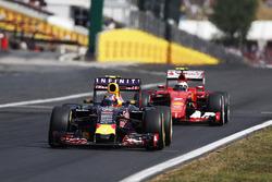 Daniil Kvyat, Red Bull Racing RB11, Kimi Raikkonen, Ferrari SF-15T