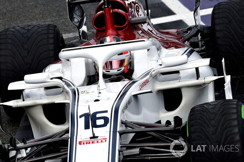 Charles Leclerc, vem logo atrás, em 18º