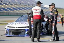 Brad Keselowski, Team Penske, Ford Fusion Discount Tire Kasey Kahne, Leavine Family Racing, Chevrolet Camaro Dark Matter presented by Ionomy