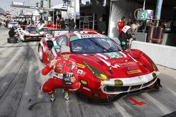 GTD polesitters #51 Spirit of Race Ferrari 488 GT3, GTD: Paul Dalla Lana, Pedro Lamy, Mathias Lauda, Daniel Serra