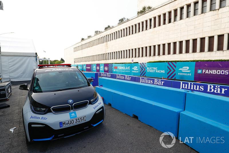 BMW i3 Safety Car