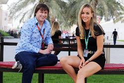 Олег Карпов, Motorsport.com Россия и Кармен Хорда, Lotus F1