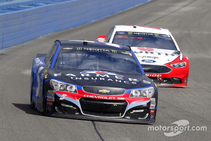 Kasey Kahne, Hendrick Motorsports, Chevrolet; Brad Keselowski, Team Penske, Ford