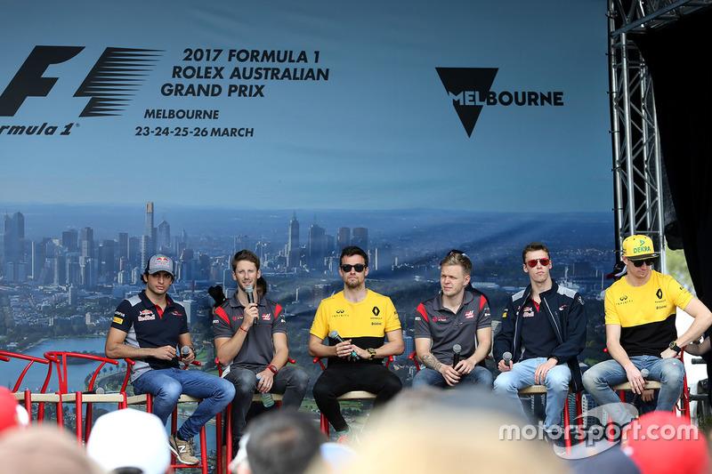 Foro de pilotos: Carlos Sainz Jr., Scuderia Toro Rosso; Romain Grosjean, Haas F1 Team; Jolyon Palmer