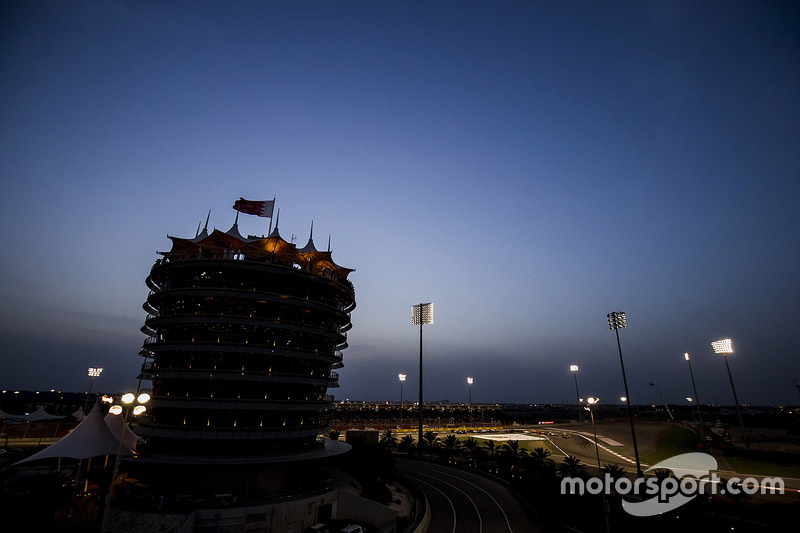 Darkness falls on the circuit as the race gets under way