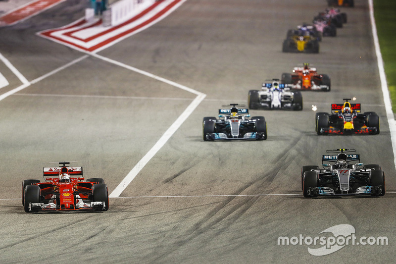 Sebastian Vettel, Ferrari SF70H, Valtteri Bottas, Mercedes F1 W08, Lewis Hamilton, Mercedes F1 W08, Daniel Ricciardo, Red Bull Racing RB13, Felipe Massa, Williams FW40