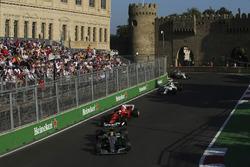 Lewis Hamilton, Mercedes AMG F1 W08, Sebastian Vettel, Ferrari SF70H, Felipe Massa, Williams FW40