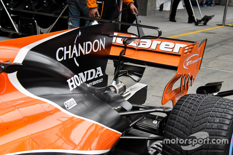 Vue détaillée de la McLaren MCL32