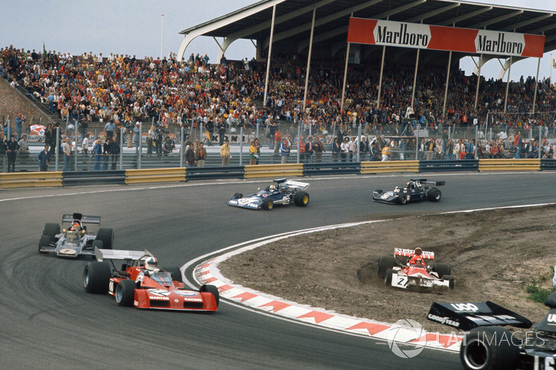 Niki Lauda, BRM P160E pist dışına çıkıyor, Chris Amon, Tecno PA123B, Emerson Fittipaldi, Lotus 72E Ford, Mike Hailwood, Surtees TS14A Ford, David Purley, March 731 Ford