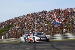 #99 Dylan Derdaele, De Bokkenrijders, Porsche GT3 Cup 991 in front of #53 Umit Ulku, Toksport WRT, Porsche GT3 Cup 991