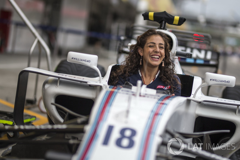 Giselle Zarur, Canal F1 Latin America Reporter in the Williams FW40