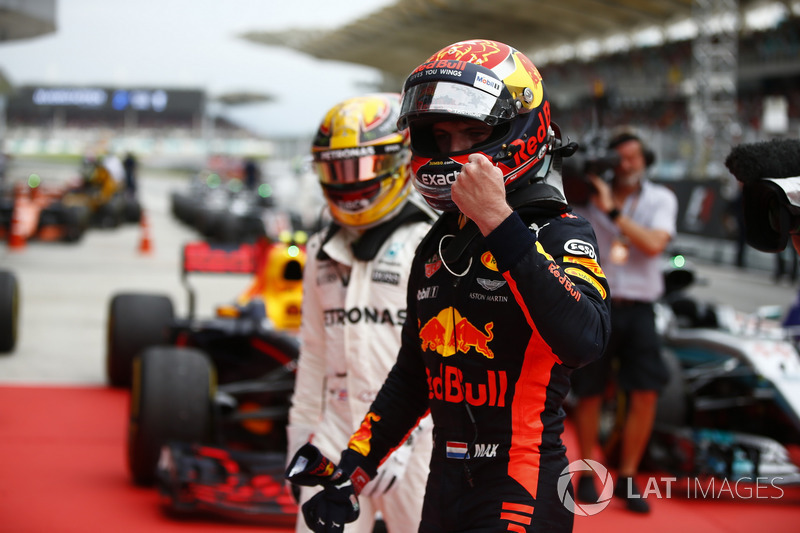 Max Verstappen, Red Bull Racing, race winner, second place Lewis Hamilton, Mercedes AMG F1, in Parc Ferme
