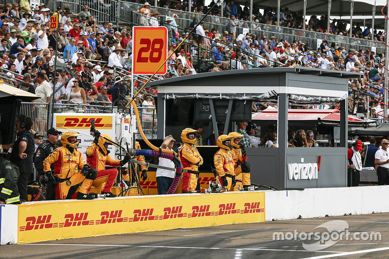 Ryan Hunter-Reay, Andretti Autosport Honda pit