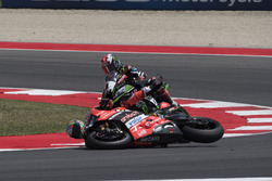 Chute de Chaz Davies, Ducati Team