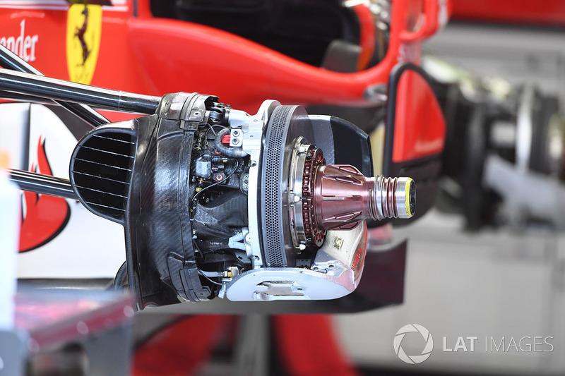 Передні гальма і кріплення колеса Ferrari SF70-H