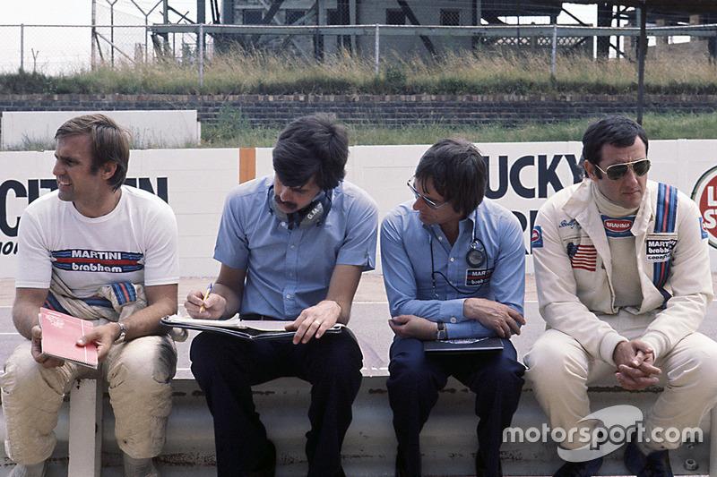 Bernie Ecclestone, dueño de Brabham team con Gordon Murray, Carlos Reutemann y Carlos Pace