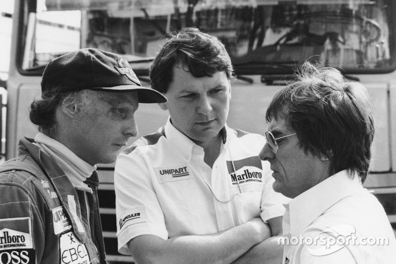 Niki Lauda, McLaren; John Barnard, McLaren, Chefdesigner; Bernie Ecclestone