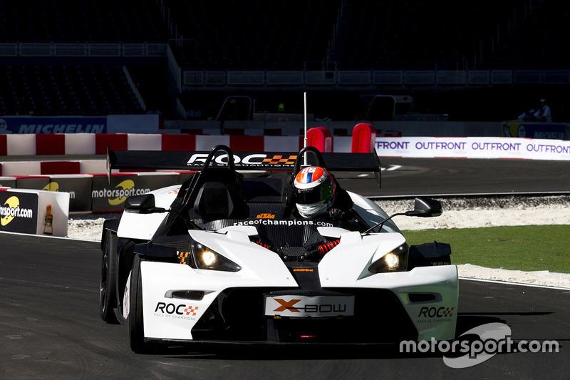 Alexander Rossi maneja el KTM X-Bow Comp R