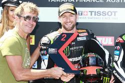 Tom Sykes, Kawasaki Racing, félicité par Troy Bayliss après sa deuxième place dans la Superpole