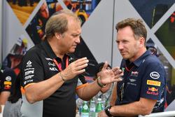 Заместитель руководителя Sahara Force India F1 Роберт Фернли и руководитель Red Bull Racing Кристиан Хорнер