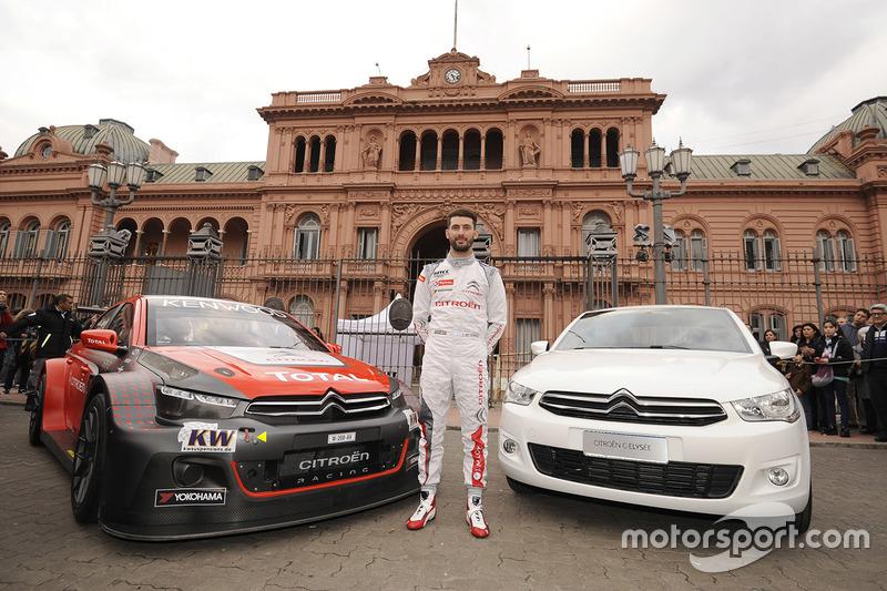 José María López, Citroën World Touring Car Team, Citroën C-Elysée WTCC durante la dimostrazione Citroën in Buenos Aires