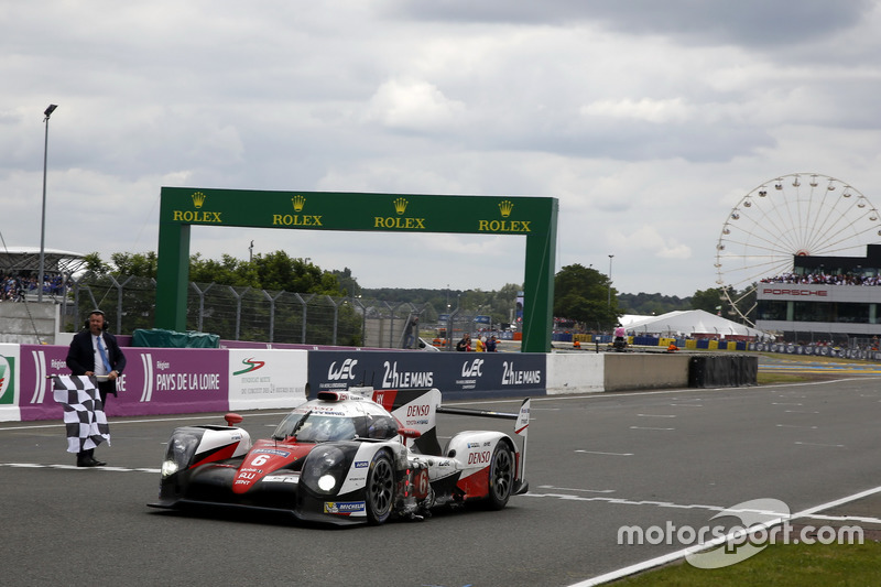 2nd: #6 Toyota Racing Toyota TS050 Hybrid: Stéphane Sarrazin, Mike Conway, Kamui Kobayashi