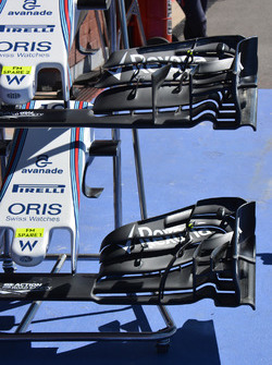 Williams FW38: ala anteriore