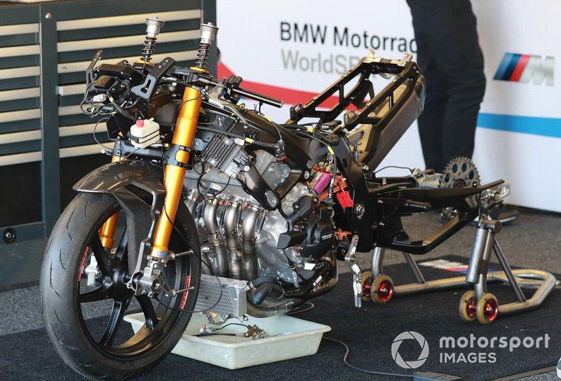 #66 BMW Motorrad WorldSBK Team:Tom Sykes