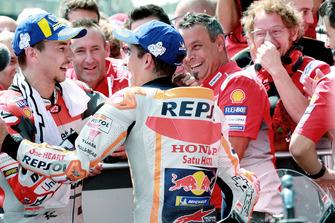 Il vincitore della gara Jorge Lorenzo, Ducati Team, il secondo classificato Marc Marquez, Repsol Honda Team