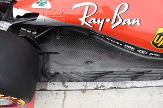 Ferrari SF71H: la sezione del fondo vicino alla ruota posteriore con le mini paratie anti-marbles