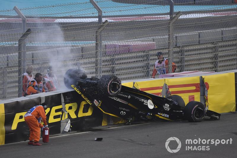 Crash et tonneaux pour pour Nico Hulkenberg, Renault Sport F1 Team R.S. 18