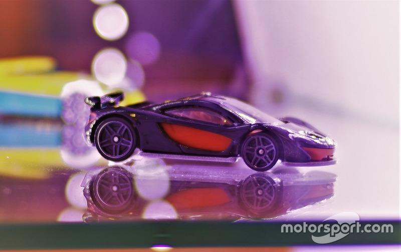 Diecast McLaren P1 Hot Wheels