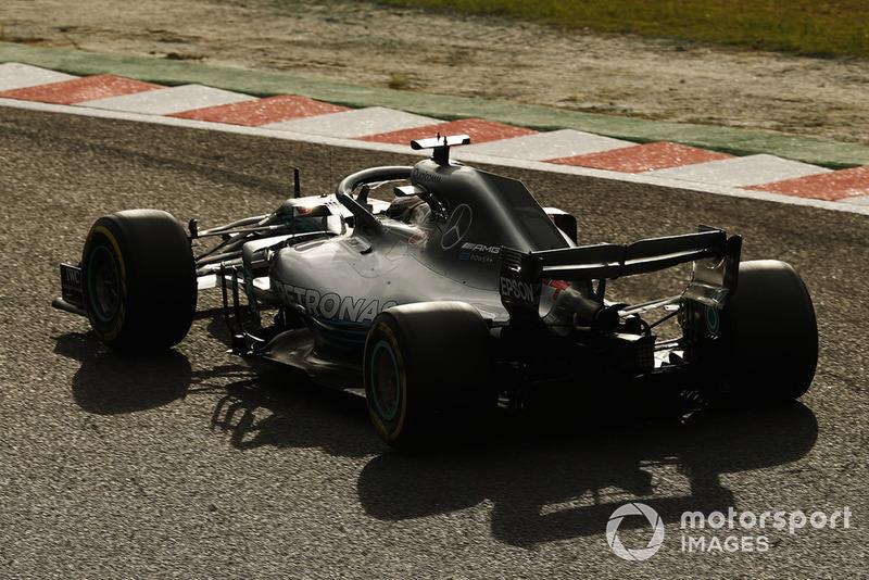 1: Lewis Hamilton, Mercedes AMG F1 W09, 1'27.760