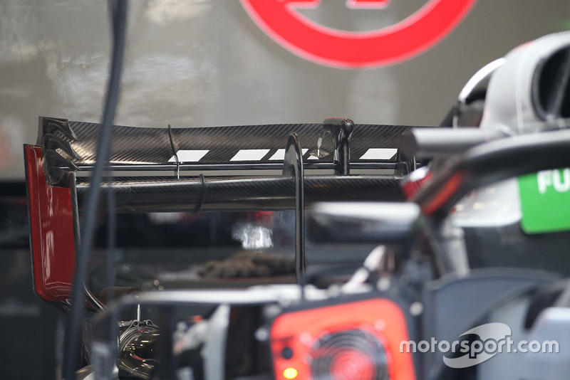 Haas F1 Team VF-18 rear wing detail
