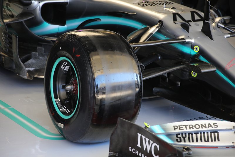 La suspension avant de la Mercedes W10
