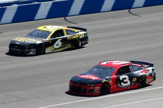 Austin Dillon, Richard Childress Racing, Chevrolet Dow Coatings Ryan Newman, Roush Fenway Racing, Ford Mustang