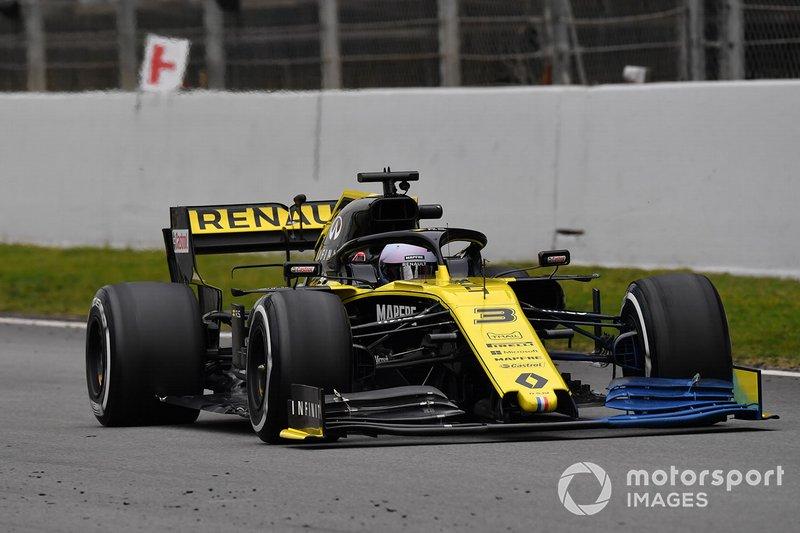 Daniel Ricciardo, Renault F1 Team R.S. 19 con parafina en el alerón delantero