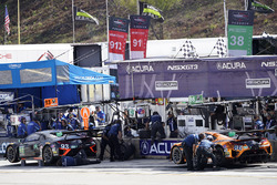 #93 Michael Shank Racing Acura NSX: Andy Lally, Katherine Legge, Mark Wilkins, #86 Michael Shank Racing Acura NSX: Oswaldo Negri Jr., Jeff Segal, Tom Dyer