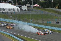 Start: Josef Newgarden, Team Penske Chevrolet, Alexander Rossi, Herta - Andretti Autosport Honda