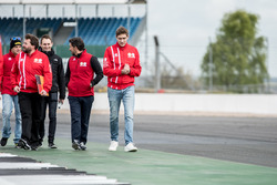 Vitaly Petrov, Manor durante una caminata en la pista
