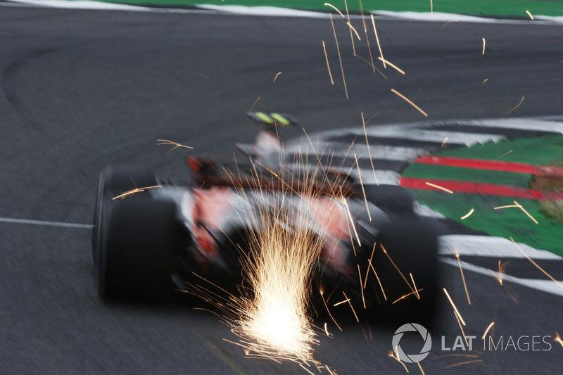 Funkenflug: Stoffel Vandoorne, McLaren MCL32