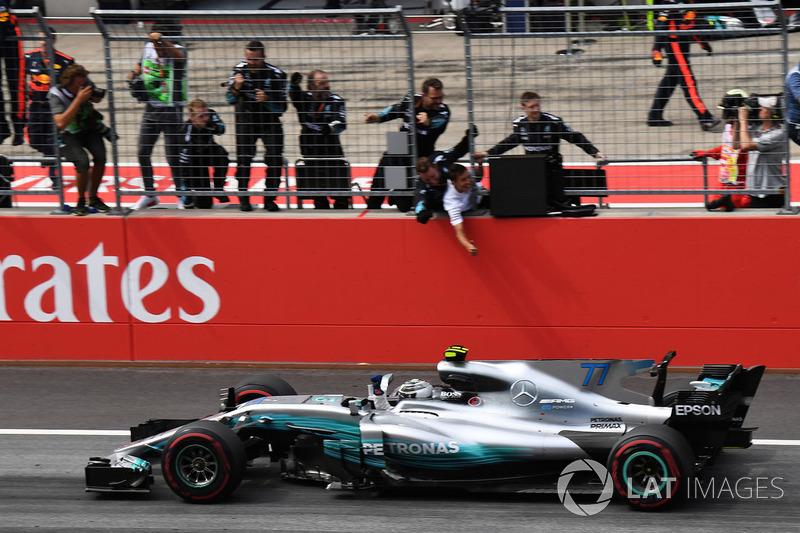 Yarış galibi Valtteri Bottas, Mercedes AMG F1 F1 W08
