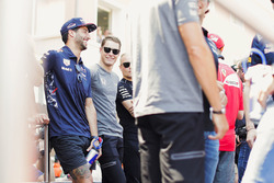 Daniel Ricciardo, Red Bull Racing, Stoffel Vandoorne, McLaren