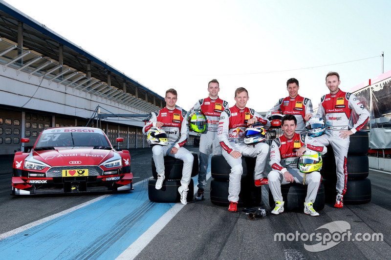 Gruppenfoto: Die DTM-Fahrer 2017 von Audi: Nico Müller, Jamie Green, Mattias Ekström, Loic Duval, Mike Rockenfeller, René Rast