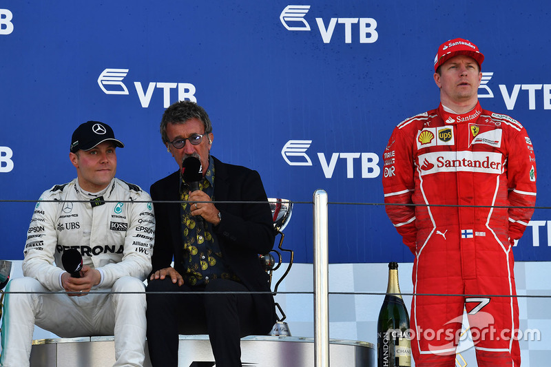 Race winner Valtteri Bottas, Mercedes AMG F1, Eddie Jordan, Channel 4 F1 TV and Kimi Raikkonen, Ferr