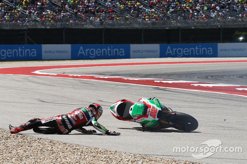 Sam Lowes, Aprilia Racing Team Gresini, crash
