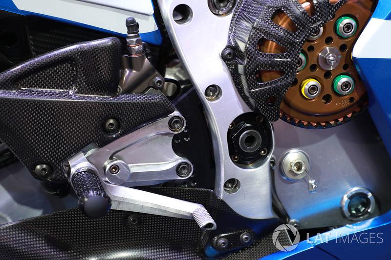 Мотоцикл Алекса Рінса, Team Suzuki MotoGP