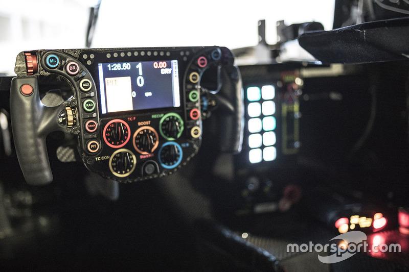 Volante del simulatore del Team Porsche